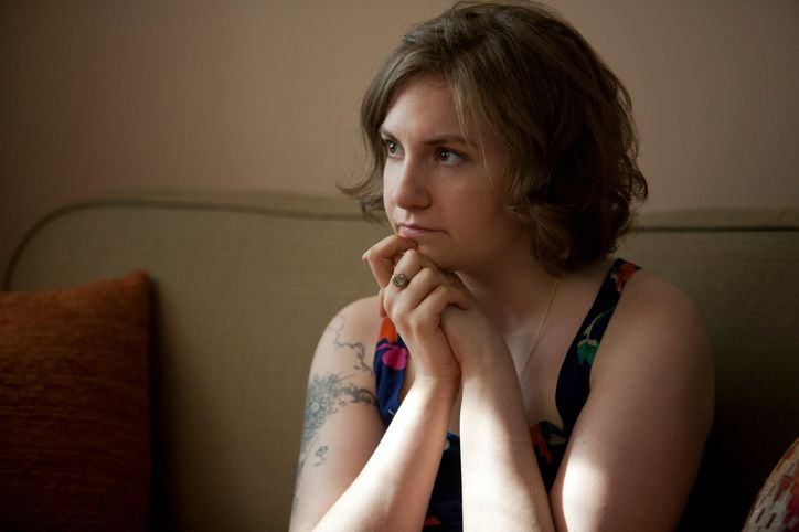 lena-dunham-getting-naked-w724